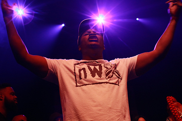 DNA-vs.-Brizz-Rawsteen-DNA-arms-up